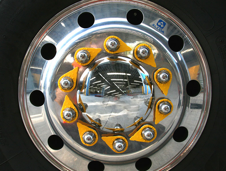 loose wheel nut indicators